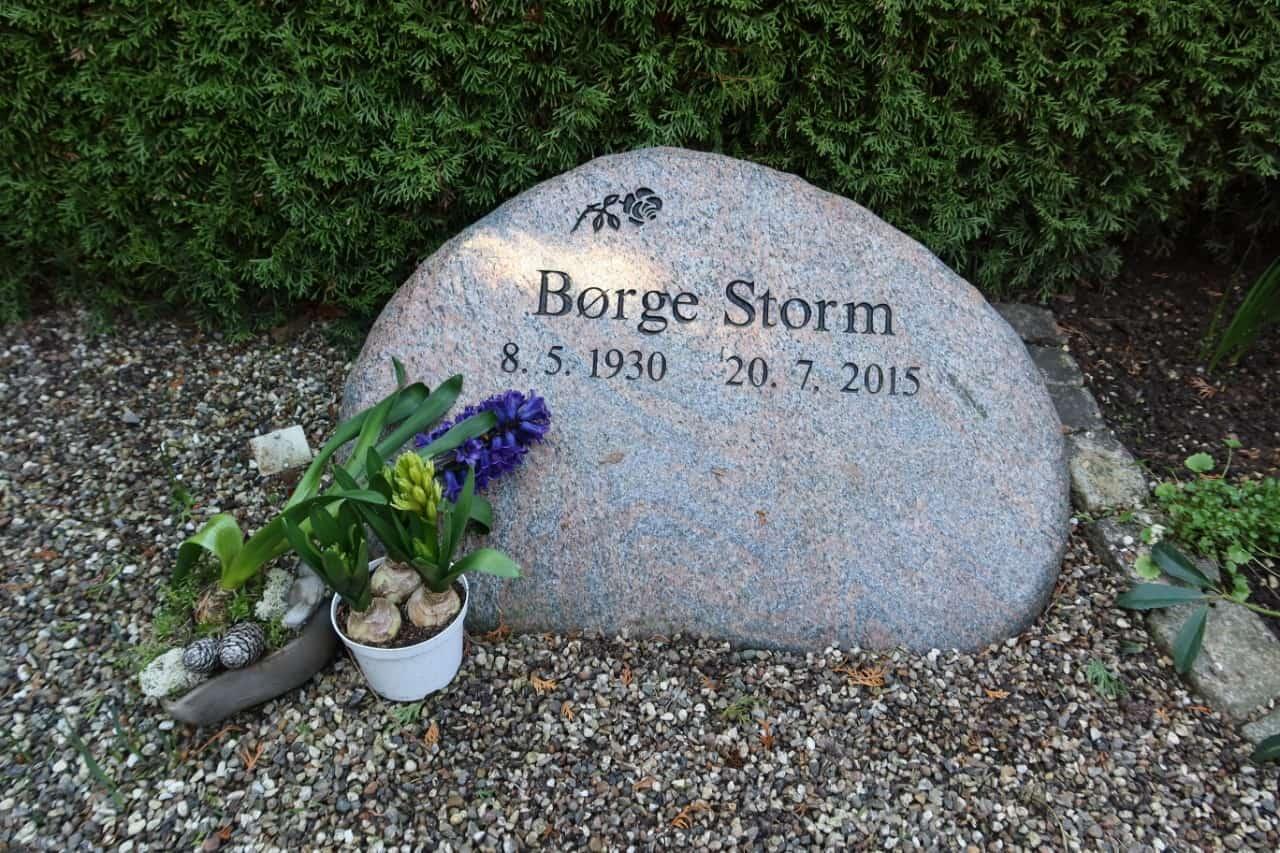 gravsten til urnegravsted i Nordsjælland